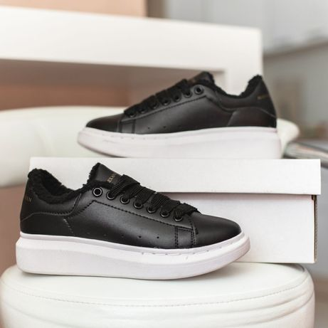 5037 Alexander McQueen кроссовки женские зимние с мехом чёрные кожаные