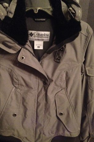Columbia оригинал куртка зимняя,не adidas nike puma