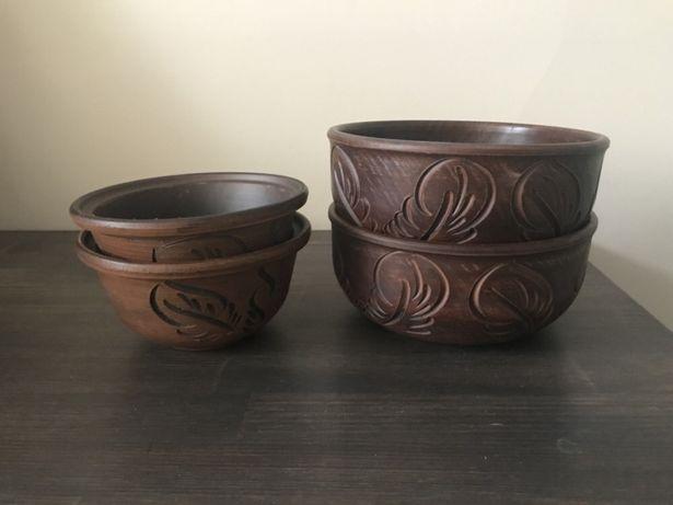 Набор новой глиняной посуды