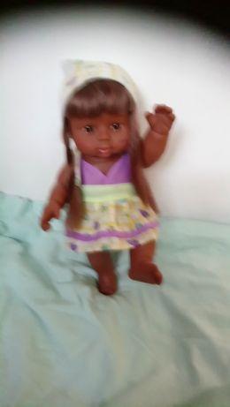 Sprzedam lalkę ciemną_murzynke z długimi wlo