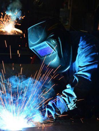 Предлагаю услуги сварщика ремонт гаражей металических