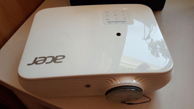 Projektor Acer H5382Bd komplet praktycznie nowy