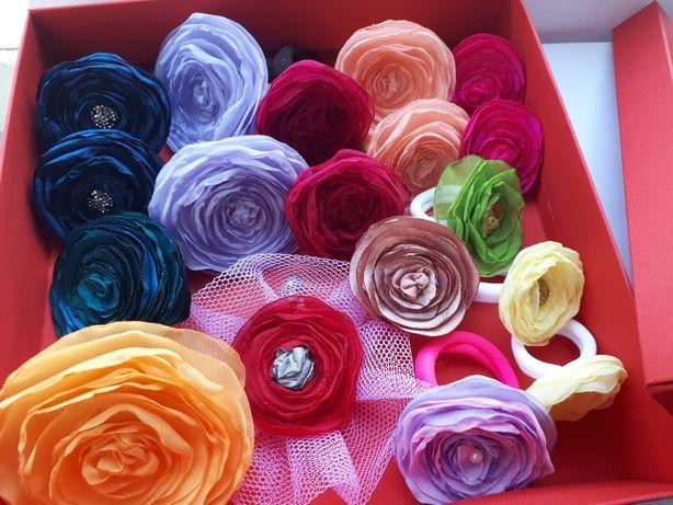 Подарок на 8 марта, аксессуары для волос, цветочки резиночки