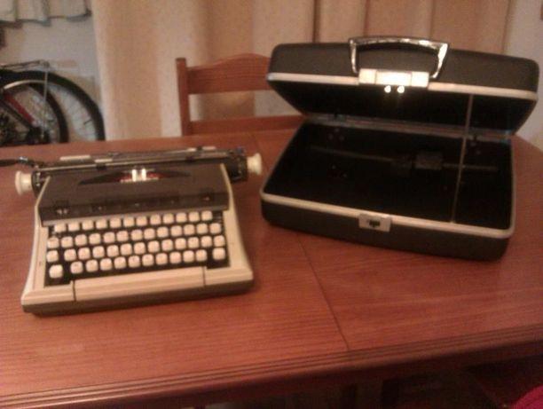 Màquina de escrever Messa-Capri (AZERT)