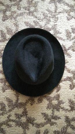 Продам фетровая шляпа.