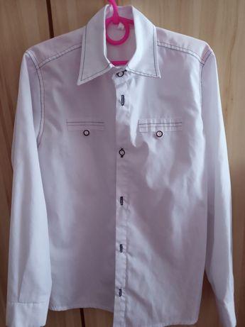 Блузка школьная 140размер почти новая для девочки