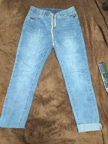 Продам жіночі стрейчеві джинси розмір s