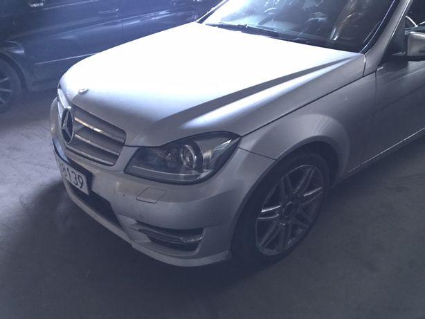 Авторозборка W204 рестайл AMG мерседес Авторазборка запчасті кузов