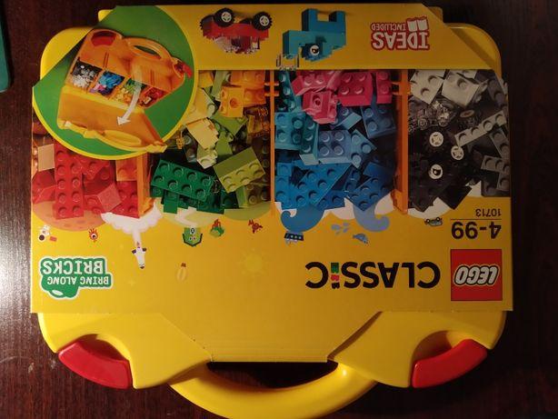 Klocki LEGO Classic Kreatywna walizka 10713