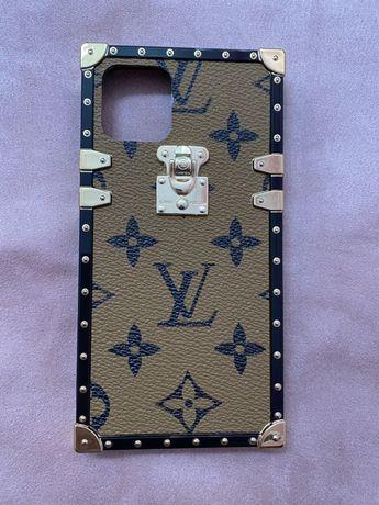 LV Capa iPhone 11 Pro - camel com letras pretas (nova)
