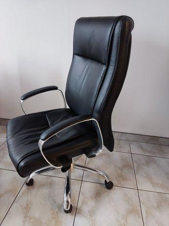 Fotel obrotowy biurowy 100% sprawny,  chrom