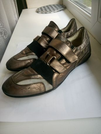 Кожаные кроссовки р 41-42