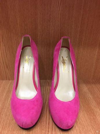 Шикарные туфли Yves Saint Laurent , 39 размер