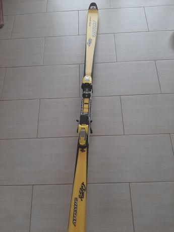 Narty Atomic 520 precarvax carving sidecut rozm. 180 cm