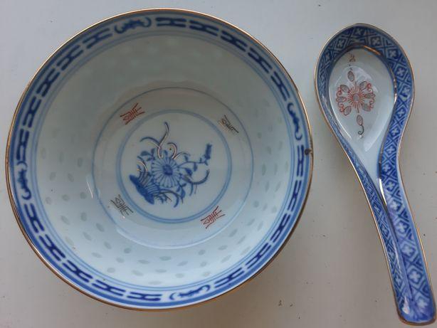 Chiński porcelana 12 miseczek i 12 łyżek na potrawy azjatyckie