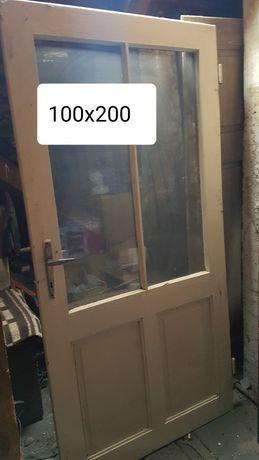 Stare drewniane drzwi poniemieckie