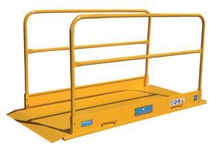 Plataforma / Ponte em chapa de metal p/ passagem de peões em obras