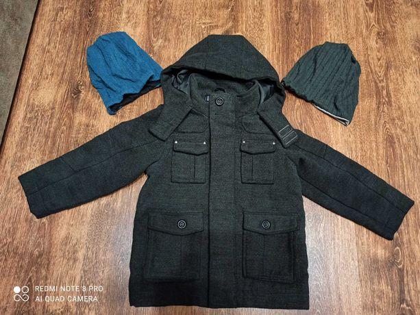 Красивое стильное пальто для мальчика 4-5 лет.Сост.идеальное.+2шапули
