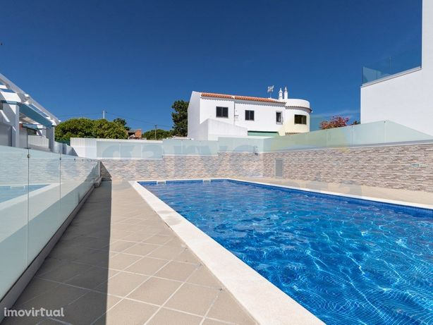 Apartamentos Duplex T3 num condomínio luxuoso com piscina...