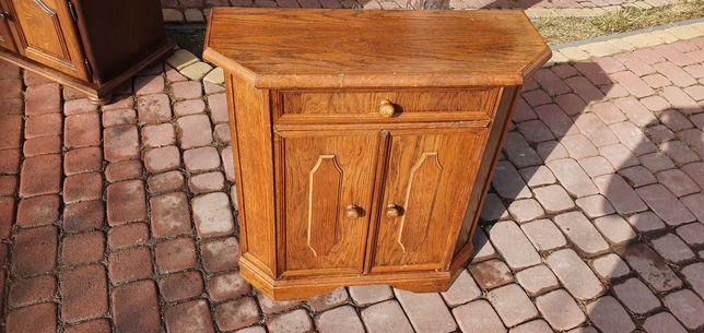Drewniane szafki nakasliki