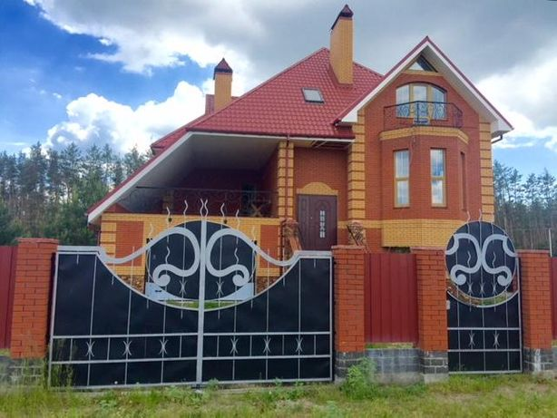 Продается современный 3-х эт. дом в коттеджном городке в с.Березовка