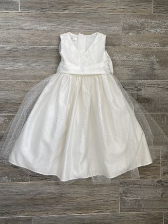 Платье нарядное еа 2-3 годика