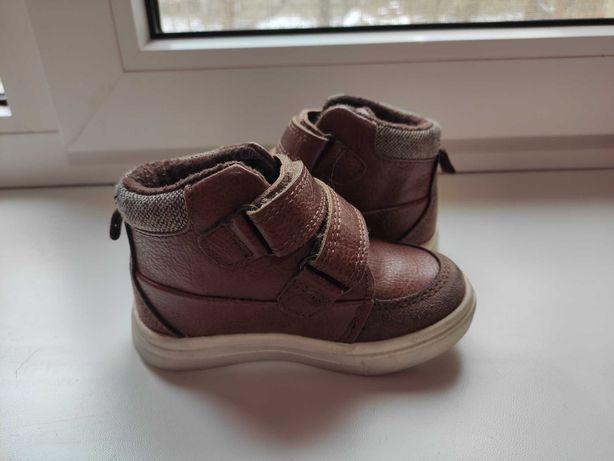 Продам утеплені черевики Next на хлопчика, розмір 4