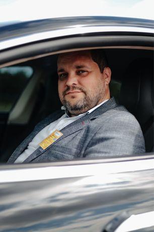 Авто на весілля трансфер особистий водій TESLA аеропорт тесла таксі