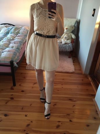 Koronkowa sukienka z paskiem, tiul Reserved