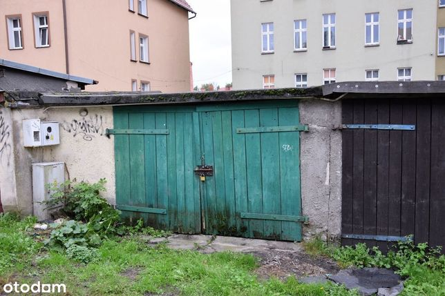 Rezerwacja Garaż w Centrum Szczecinka