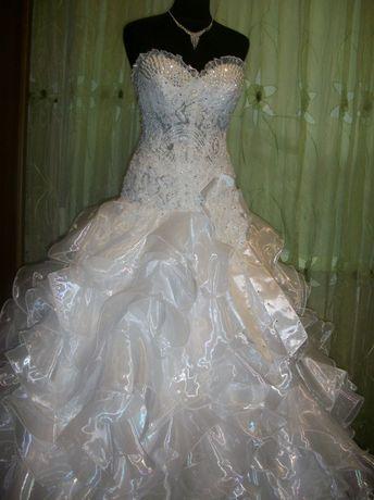 Продам свадебное платье не венчаное