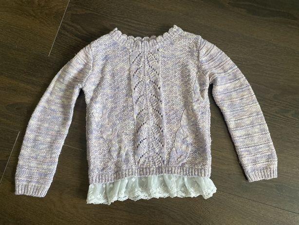 Sweterek z koronka