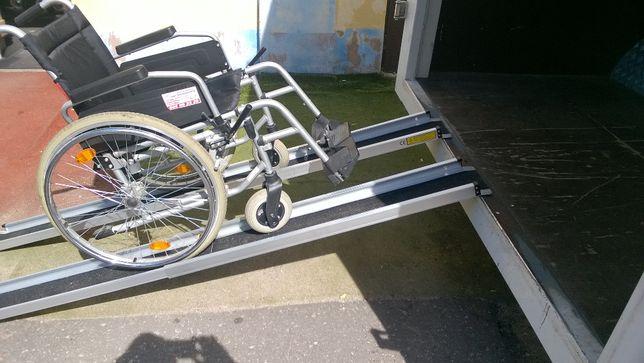 Szyny, rampy, podjazdy teleskopowe aluminiowe dla wózków inwalidzkich