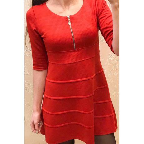 Жіноче червоне плаття / Женское красное платье