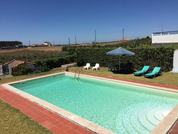 Aluga-se vivenda com jardim e piscina em Peniche
