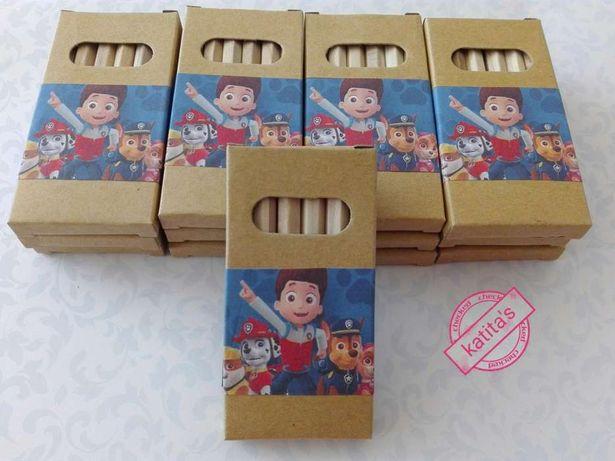 Caixas de lápis personalizadas ( lembranças)
