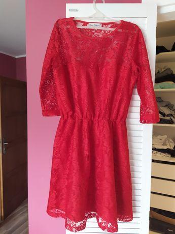 Sukienka koronkowa czerwona