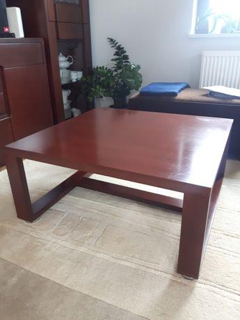 Drewniany stolik kawowy