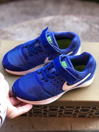 Кроссовки Nike.Оригинал.Размер 28,5(17,5-18 см).Состояние идеальное!