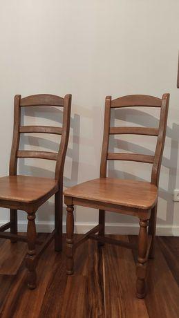 Conjunto de 8 cadeiras em madeira