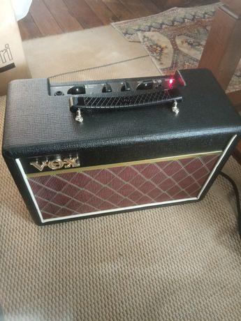 Amplificador Vox  e guitarra fender squier telecaster
