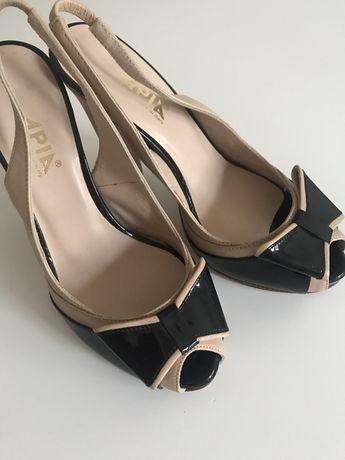 Szpilki APiA, sandały na koturnie-skóra, nude, czarne rozm34