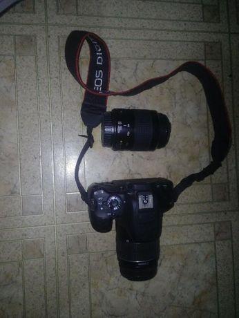 Продам фотоаппарат кенон 650 д с обьективом 18-55,+обьектив EF 80-200.