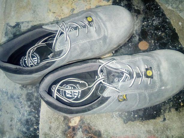 Botas Sapato biqueira de aço 41 pouco uso