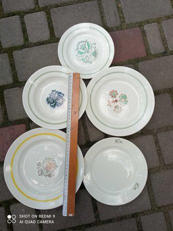 продам тарілки різних розмірів.