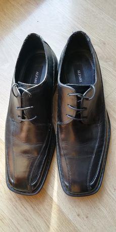 Pantofle czarne skórzane