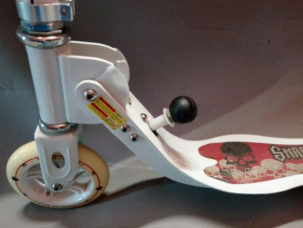 Tronitene: SmartScoo MS190XL Skull Red City Scooter