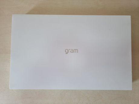 ноутбук LG Gram 17 IPS 17Z90P-G.AA56G