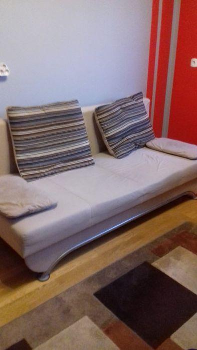 Sprzedam sofę, rozkladaną, z pojemnikiem na pościel,  POLECAM! Września - image 1