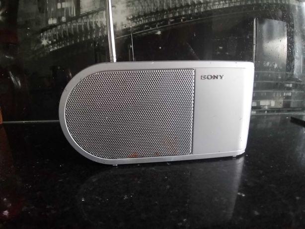 Radio przenośne FM. Na baterie.